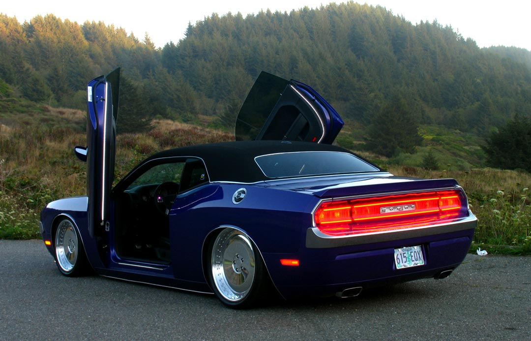 Dodge 2008 Up Challenger Vertical Lambo Doors Kit